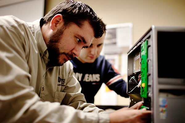 Cisco works with veterans to teach tech skills and help them transition to civilian jobs.